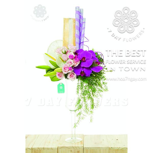 Hoa để bàn sếp