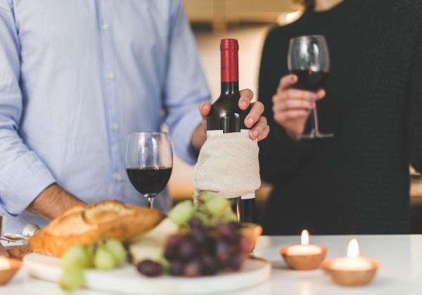 Món quà tết độc đáo và ý nghĩa cho ngày tết- Rượu Vang- Hoa 7 Ngày