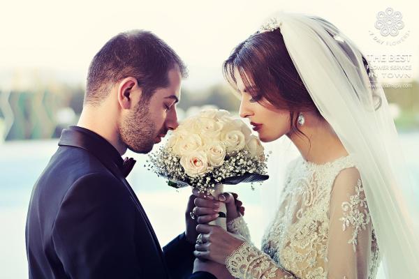 Mua hoa cưới cầm tay đơn giản sang trọng- Hoa 7 Ngày
