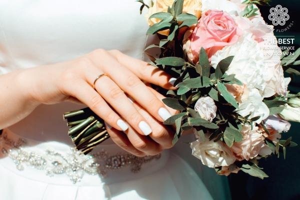 Hoa cưới cầm tay cô dâu đẹp, sang trọng tp.HCM- Hoa 7 Ngày